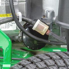Aufsitzrasenmäher John Deere Z335E Auswechselbare Öl- und Kraftstofffilter