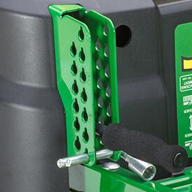 Aufsitzrasenmäher John Deere Z335E Stift für Schnitthöheneinstellung dient auch zur Spureinstellung