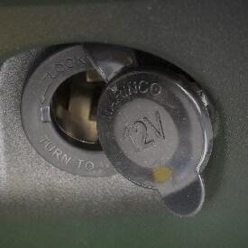 Rasentraktor John Deere X350 12 V-Steckdosenkit