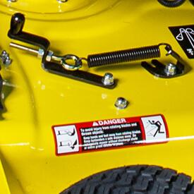Rasentraktor John Deere X350 MulchControl™ Hebel