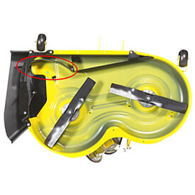 Rasentraktor John Deere X350 Fangklappe von MulchControl™ geöffnet