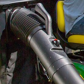 Rasentraktor John Deere X350 Oberer Auswurfschacht mit Griff und Füllstandanzeige