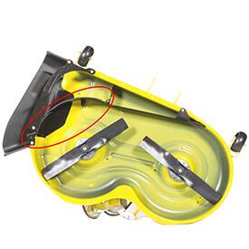 Rasentraktor John Deere X350 Fangklappe von MulchControl™ geschlossen