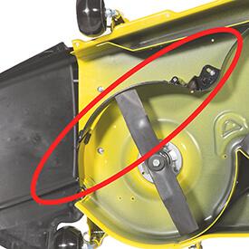 Rasentraktor John Deere X350 Fangklappe von MulchControl geschlossen