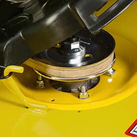 Rasentraktor John Deere X590 Spindeltasche mit Abdeckklappe