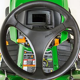 Aufsitzrasenmäher John Deere X950R Armaturenbrett und Bedienelemente (Schalter aus)
