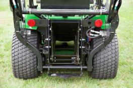 Aufsitzrasenmäher John Deere X950R Breiter Auswurfschacht für die direkte Aufnahme, Grasfangbehälter für Bodenentleerung