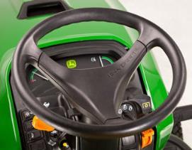 Aufsitzrasenmäher John Deere X950R Lenkrad mit Verstellhebel auf der linken Seite