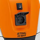 Einschaltautomatik (E) und Steckdose